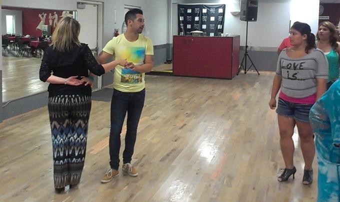 larry teaching salsa class at paragon dance center